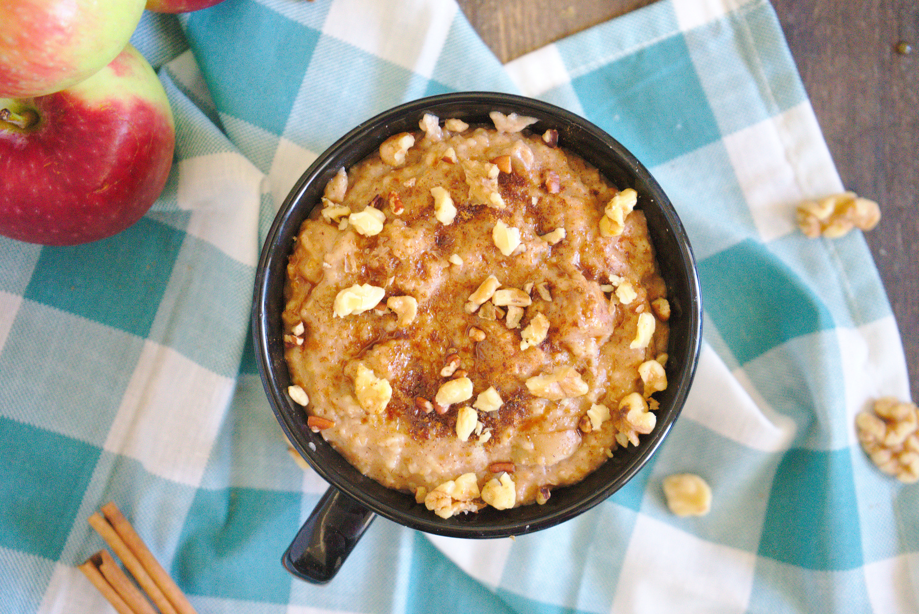 Slow Cooker Apple Oatmeal