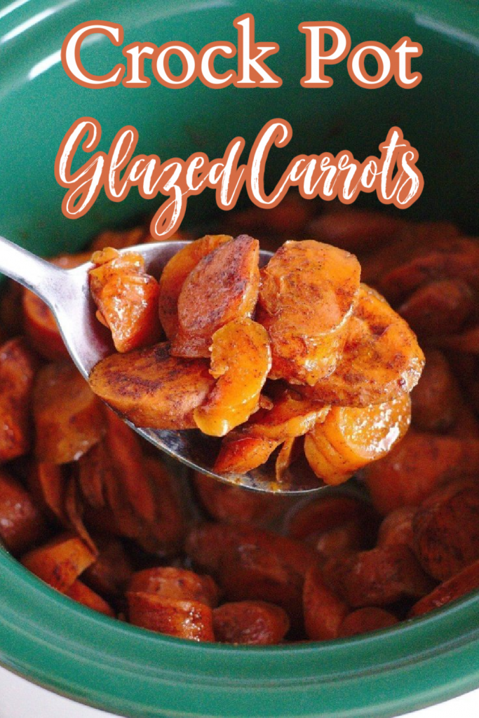 Slow Cooker Glazed Carrots - An easy side dish perfect for a Thanksgiving or Christmas feast! Slow cooker carrots in a delicious brown sugar cinnamon glaze! Glazed Carrots | Glazed Carrot Recipe | Crock Pot Glazed Carrots